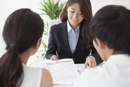 就活や転職をする女性